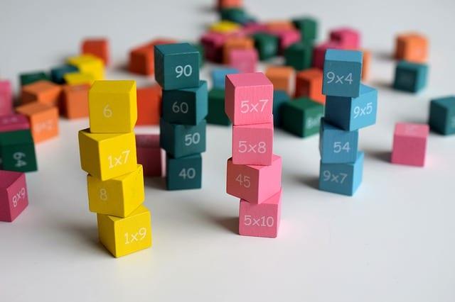 Jouons avec les mathématiques