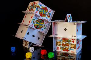 Read more about the article 6 jeux de cartes originaux